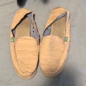 Tan sanuk sandals